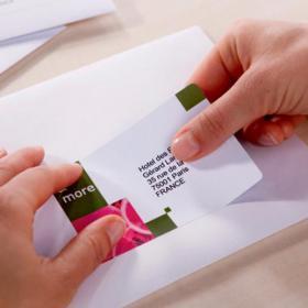 Avery Quick DRY Parcel Labels Inkjet 8 per Sheet 99.1x67.7mm White Ref J8165-100 800 Labels