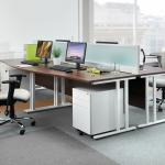 Maestro 25 straight desk 1400mm x 600mm white cantilever leg frame, white top